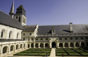 loire valley castle tours